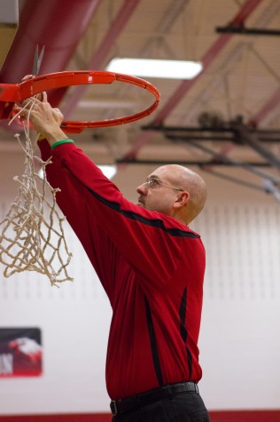 Boys Basketball Wins District Championship