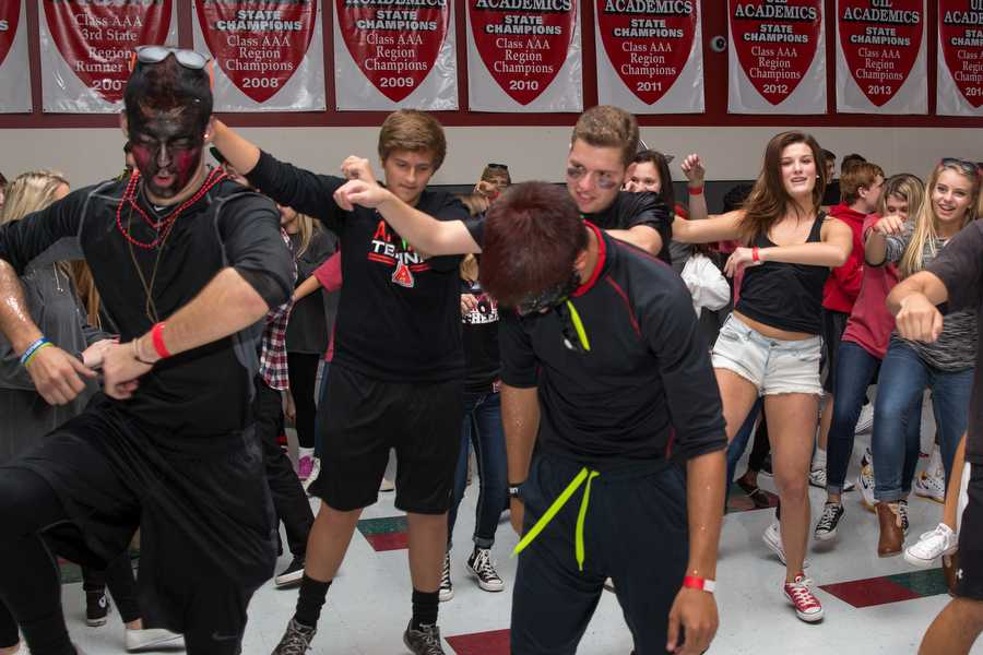 New Homecoming Style Brings Fun Night for All