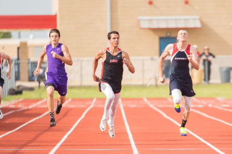 Senior Zack Zembraski Uses Track to Improve Athleticism