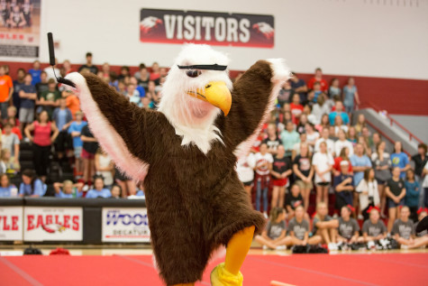 High School Welcomes New Mascot