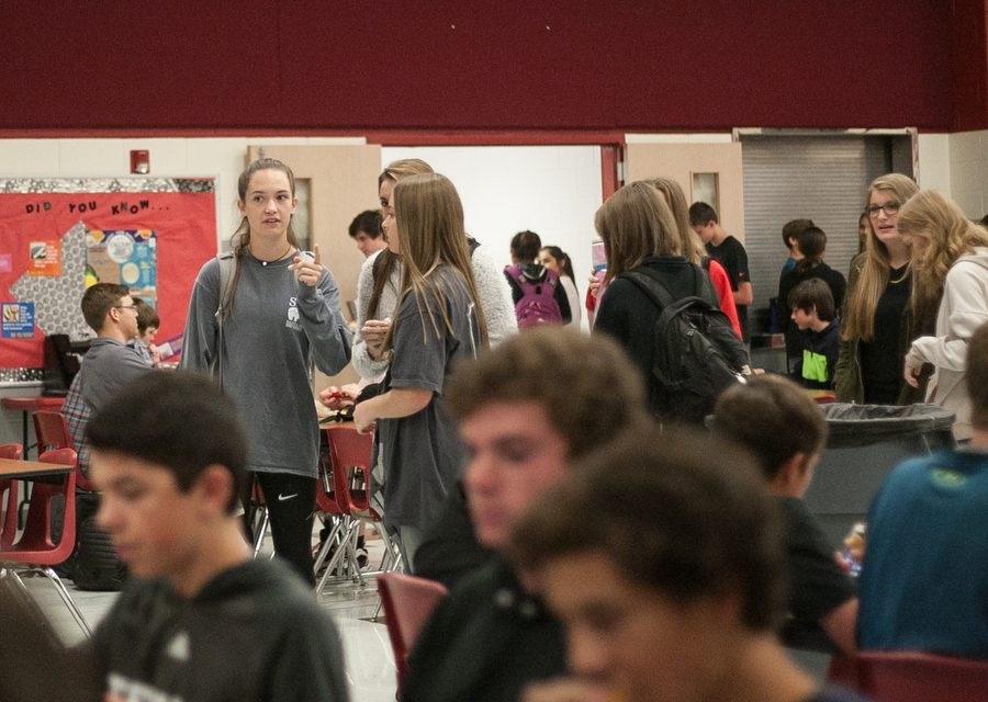 Students+wait+in+line+in+the+cafeteria+during+lunch.+%28Faith+Stapleton%2FThe+Talon+News%29+
