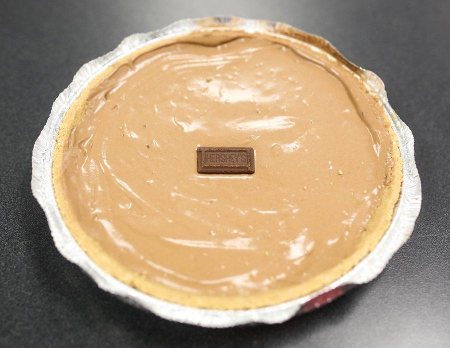 A+hershey+pie+sits+on+a+desk+at+Argyle+High+School+on+November+10%2C+2016+in+Argyle%2C+Texas.+%28Faith+Stapleton%2F+The+Talon+News%29