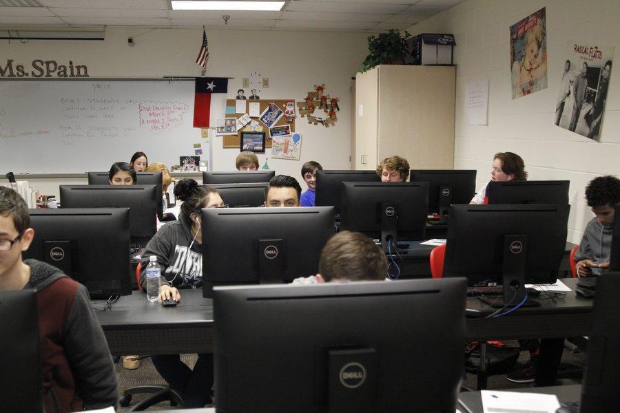 Students+work+in+Pam+Arrington%27s+5th+period+Business+and+Information+Management+class+on+Jan.+11%2C+2017%2C+Argyle+High+School%2C+Argyle%2C+Texas.+%28Elli+Marusa%2FPhotographer%2FThe+Talon+News%29
