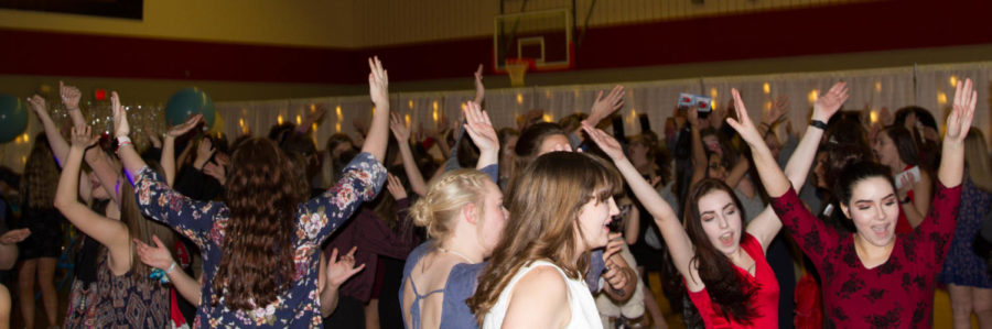 Students+dance+at+Night+to+Shine+at+Argyle+High+School+on+Feb.+9%2C+2018+in+Argyle%2C+TX.+%28Lauren+Landrum+%2F+The+Talon+News%29