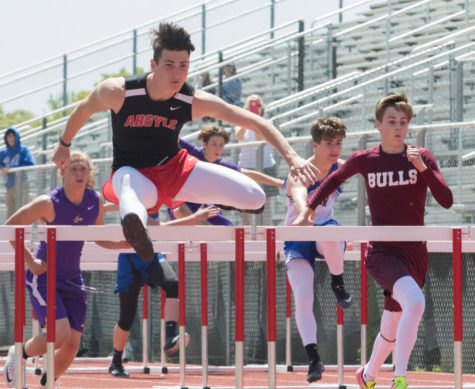 Track Runs in District Meet