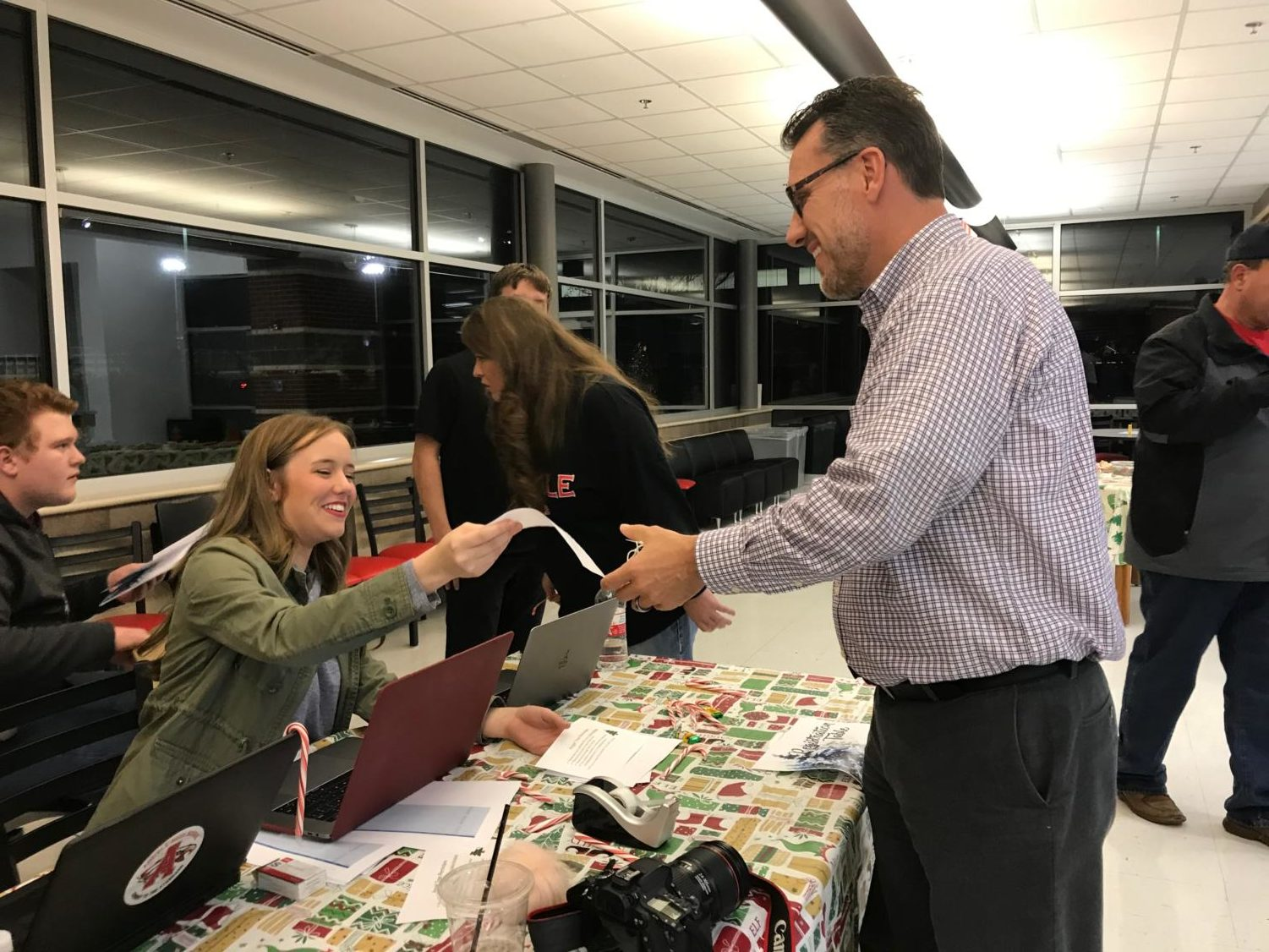 Student Council and UNICEF work together for the angel tree. (Zachary Tait/ The Talon News)