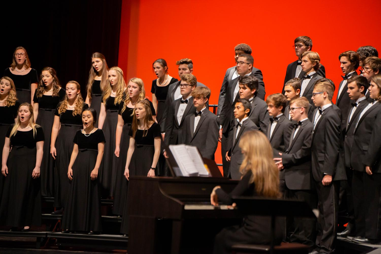 Choir students perform at the annual winter concert on December 16, 2019 at Argyle High School in Argyle, Texas. (Alex Daggett / The Talon News)