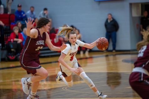 Lady Eagles Defeat Bridgeport Sissies