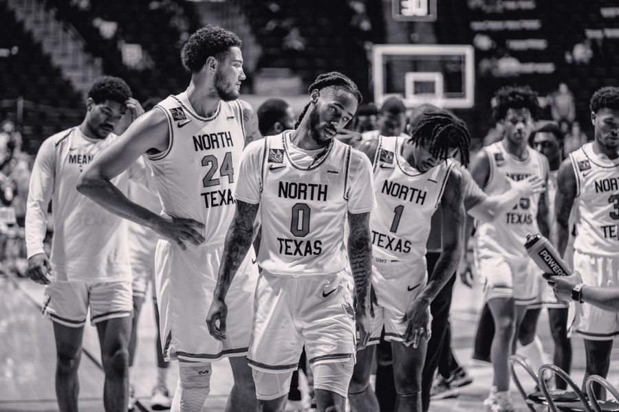 After being down 2 points the UNT team heads out of the huddle after a timeout at The Super Pit in Denton, Texas, on Jan. 31, 2021. (Nicholas West / The Talon New)