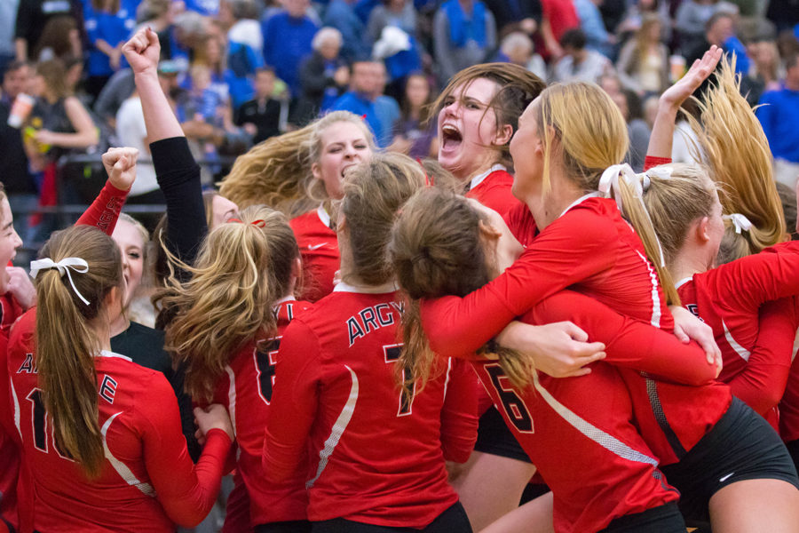 Volleyball Advances to Regional Tournament