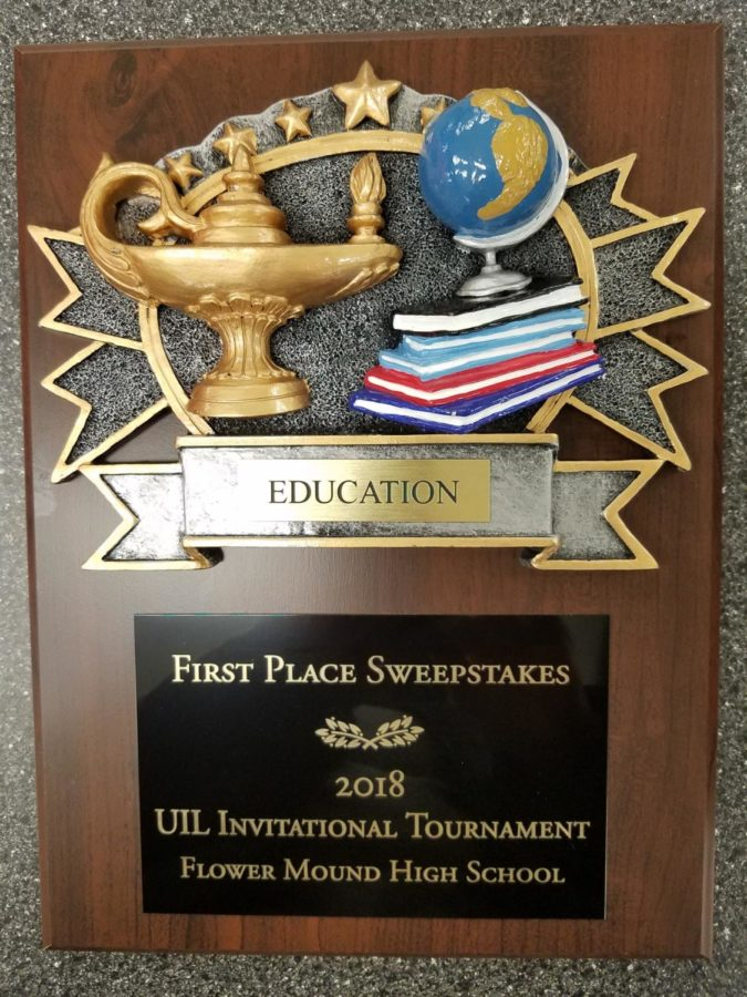 Academic+UIL+team+members+bring+home+a+first+place+title+on+Jan.+13%2C+2018+at+Flower+Mound+High+School+in+Flower+Mound%2C+TX.+%28Stacy+Short%2FThe+Talon+News%29