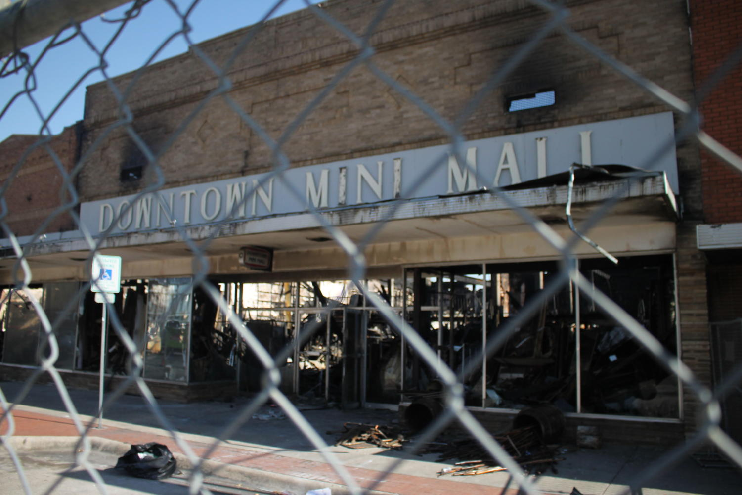 A view of the Mini Mall after the fire on Jan. 14 in Denton, Tx. (Hayden Calendine | The Talon News)