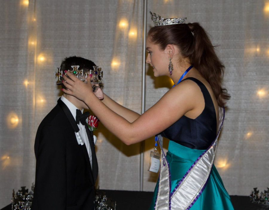 Miss+Teen+Texas+crowns+every+student+at+Night+to+Shine+a+king+or+queen+at+Argyle+High+School+on+Feb.+9%2C+2018+in+Argyle%2C+TX.+%28Lauren+Landrum+%2F+The+Talon+News%29