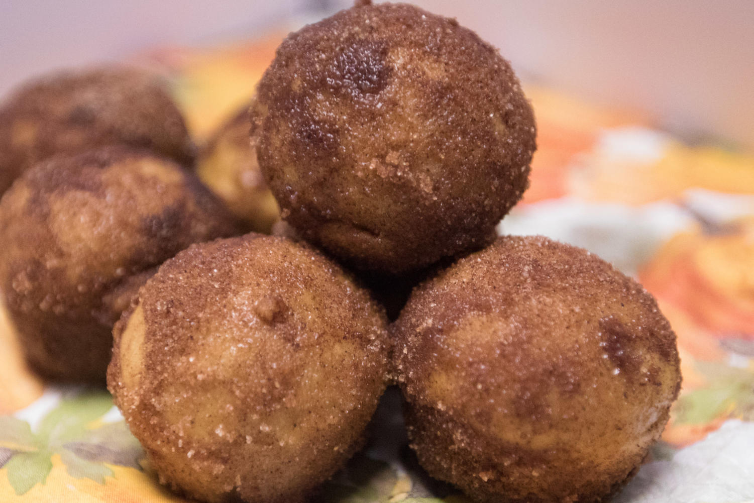 These donut holes are a great way to spice up the fall season. (Claire Burkett/ The Talon News)
