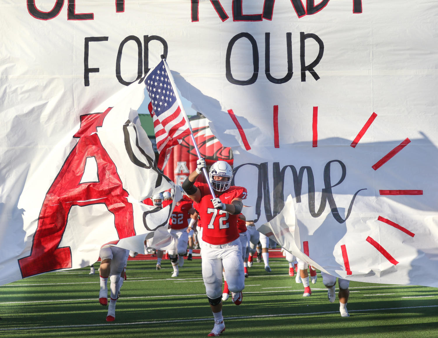 The Eagles play against the Sanger Indians for the Homecoming game at Argyle High School on Oct. 8, 2018. (Jordyn Tarrant / The Talon News)