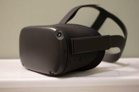 Apple's latest Oculus Quest is a hands-free device. (Nicholas West / The Talon News)