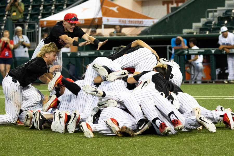 Argyle defeats Sweeny in the State Championship game back to back at UFCU Disch Falk Field on May 5, 2019. (Jordyn Tarrant / The Talon News)