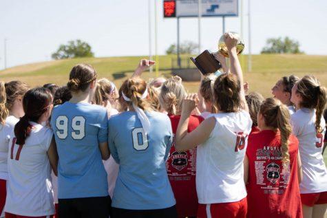 Girls Soccer Advances to Regional Finals